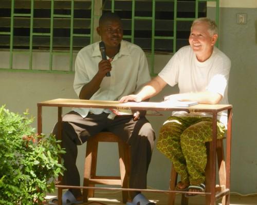 A l'assemblée générale du Centre le Frère Vicente, directeur et son adjoint.